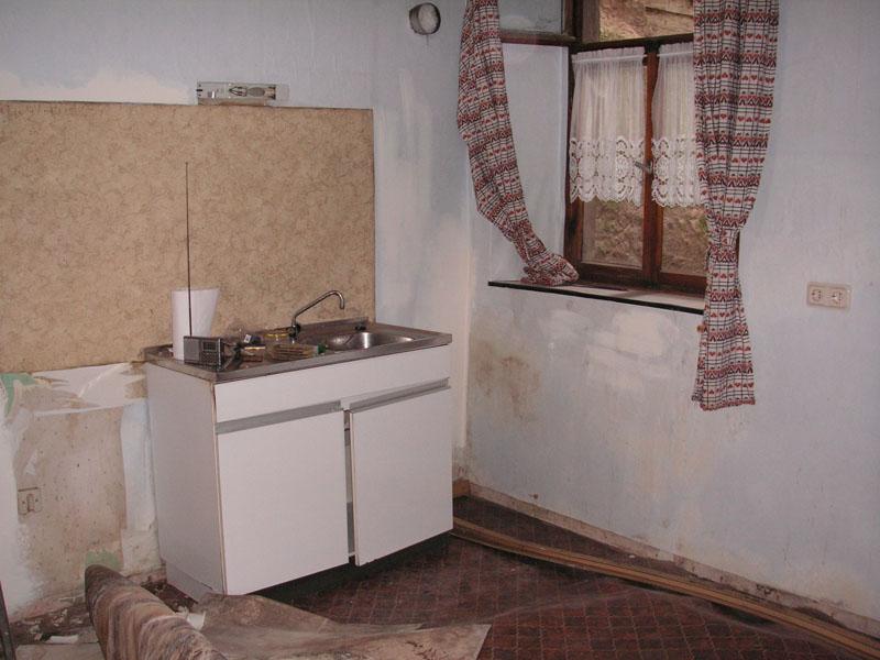 Keukenblok goedkoop interieur meubilair idee n - Keuken klein ontwerp ruimte ...