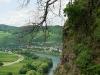 Kletterweg 2011 na 32 min: naast een steile helling is Ürzig te zien