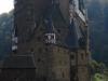 Burg Eltz - bijna voorkant (okt 2012)