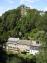 Burg Monschau - tussen de bomen (aug 2004)