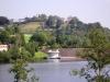Burgruine Kronenburg - zicht vanaf stuwmeer (sept 2004)