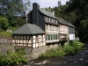 Monschau - mooi rijtje huizen (aug 2004)