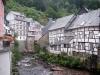 Monschau - huizen aan Laufenbach (juli 2007)