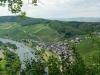 Ürzig - uitzicht op heel Ürzig vanaf de Kletterweg (juli 2011)